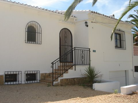 paint spanish house