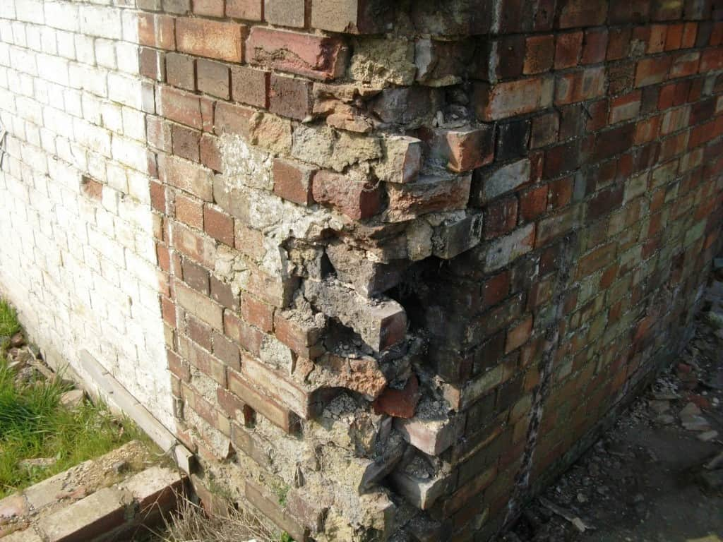 Bricks eroded and in a terrible state