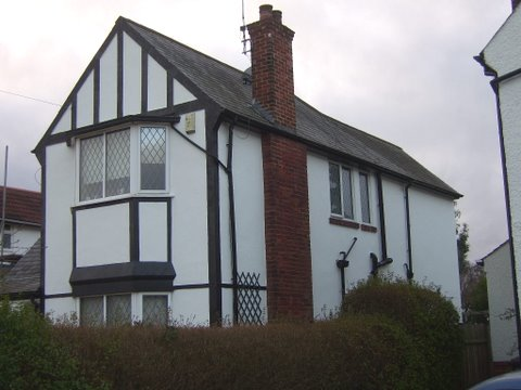 3 bed detached house with wall coating
