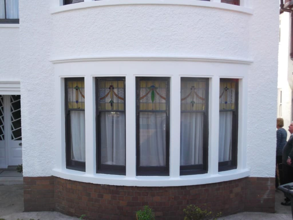 lovely bay window in arts and crafts style