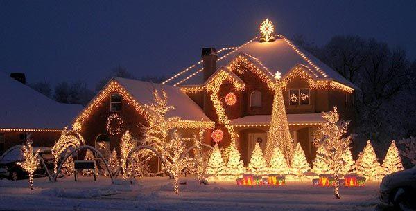 Christmas-Lighting outside