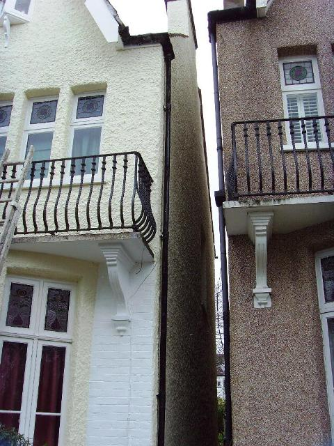 Painting A Pebbledashed House In Blackheath London