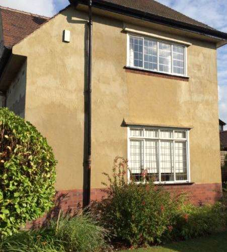 house in widnes before painting
