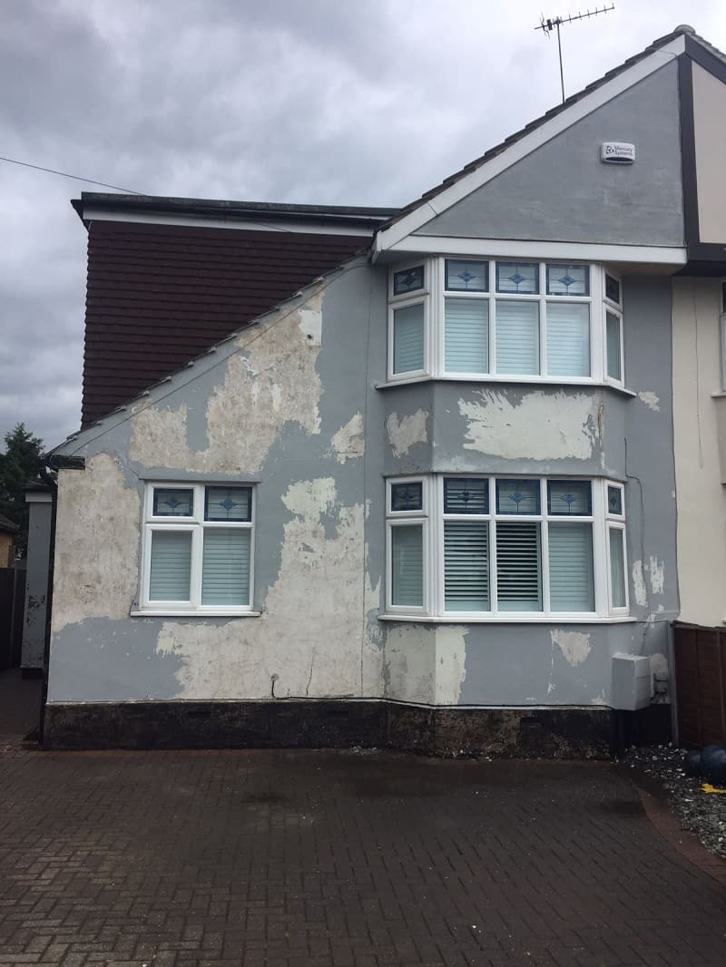 Essex semi with flaking paint