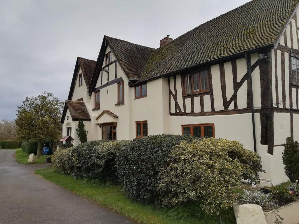 Exterior refurbishment and renovation of a listed building in warwickshire