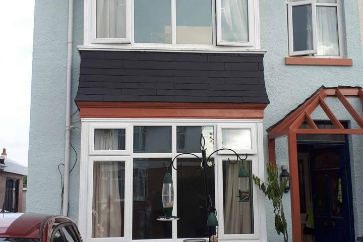 Front of house in exmouth after the never paint again painting treatement-min