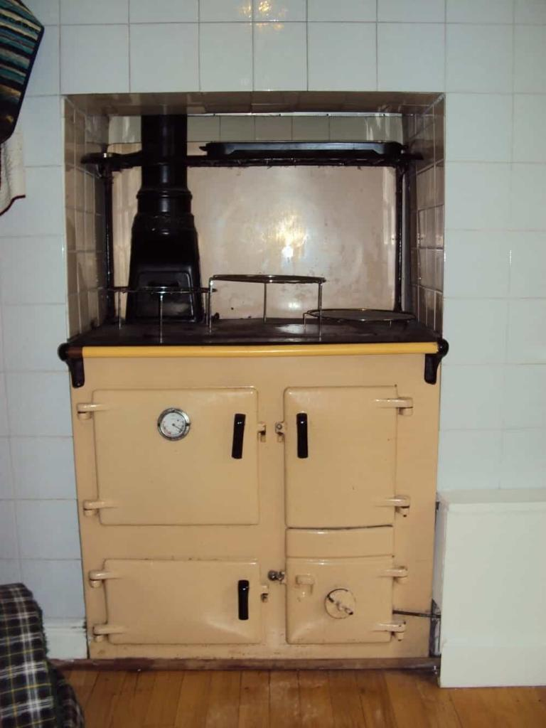 Rayburn-AGA-range-oven-min