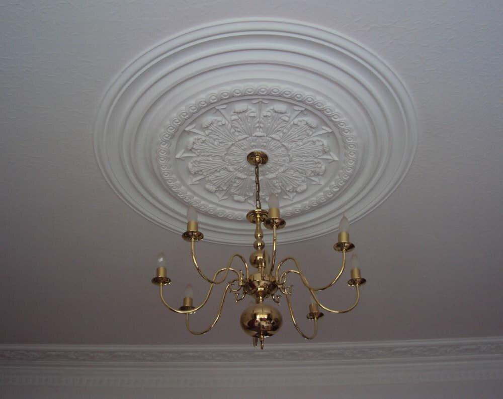 Victorian-celing-rose-plasterwork-min