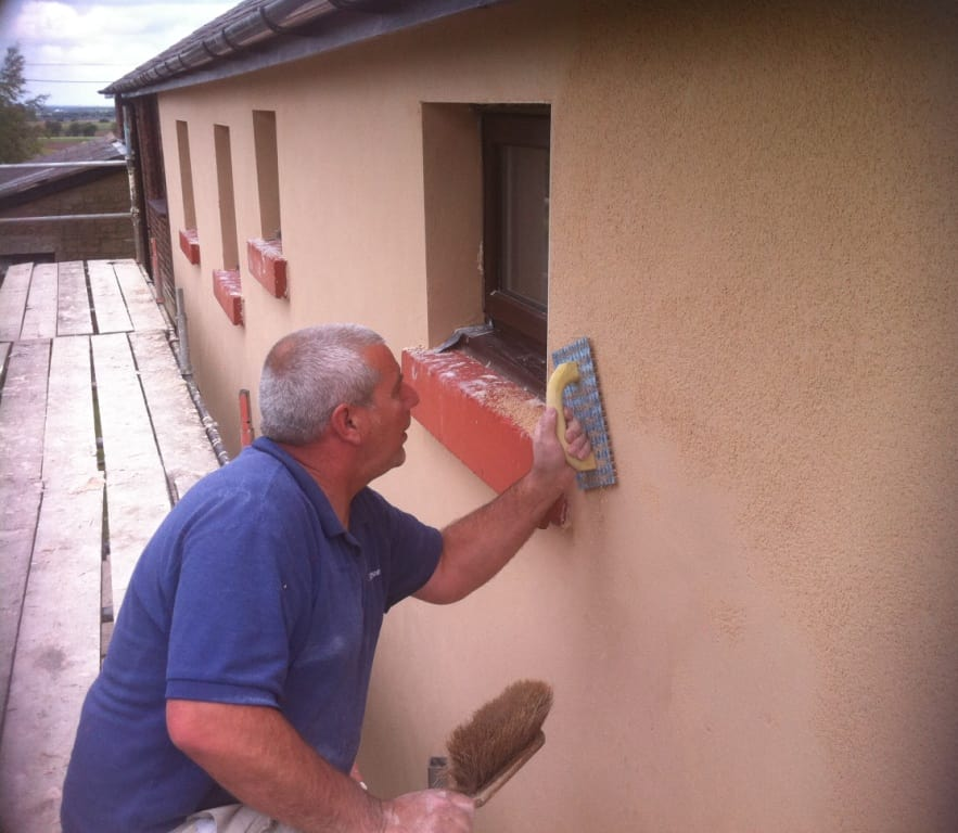 applying krend coloured render