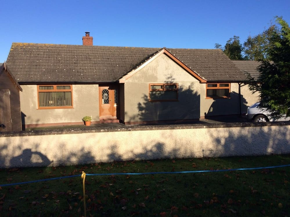 front-of-cumbrian-bungalow-before-painting