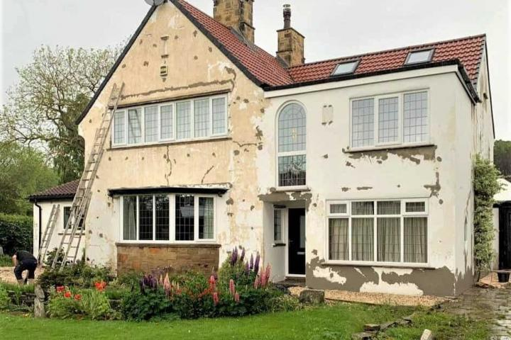 This house has various areas of loose and hollow render which required a full repair