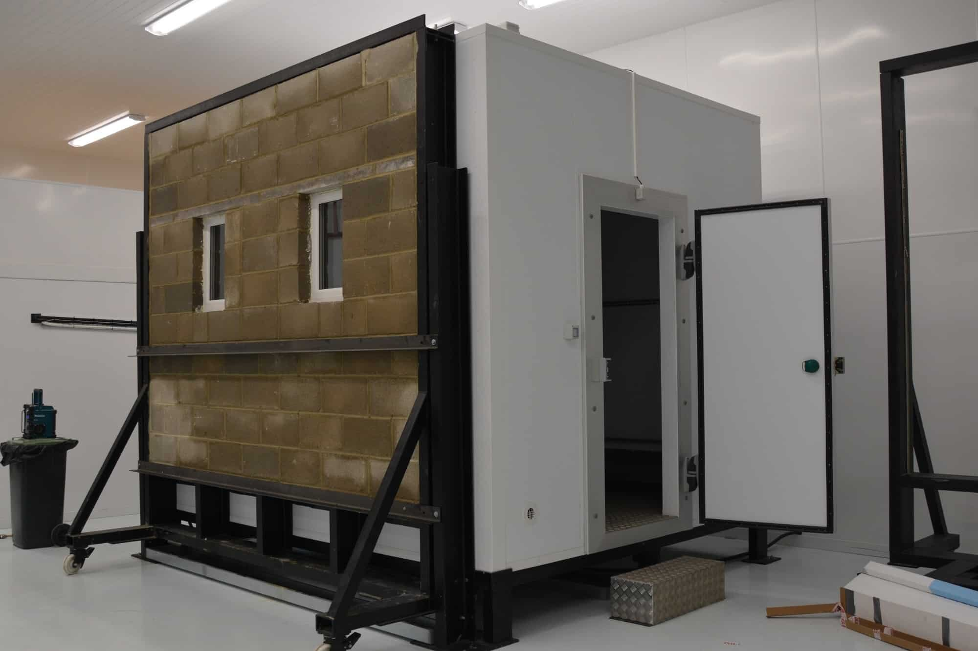 special hydrothermal booth for weather testing paints